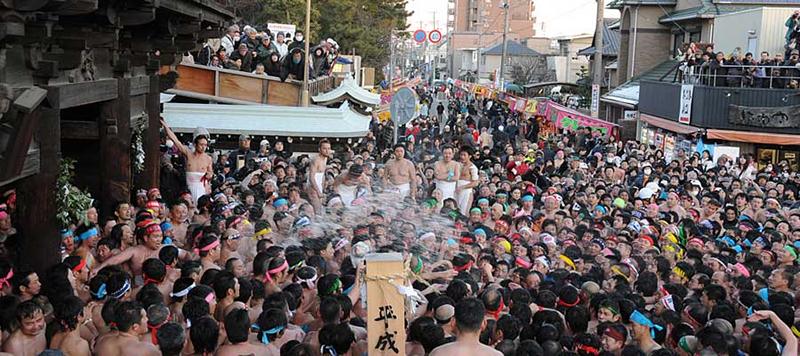 はだか祭りの 尾張大國霊神社(国府宮・おわりおおくにたまじんじゃ)